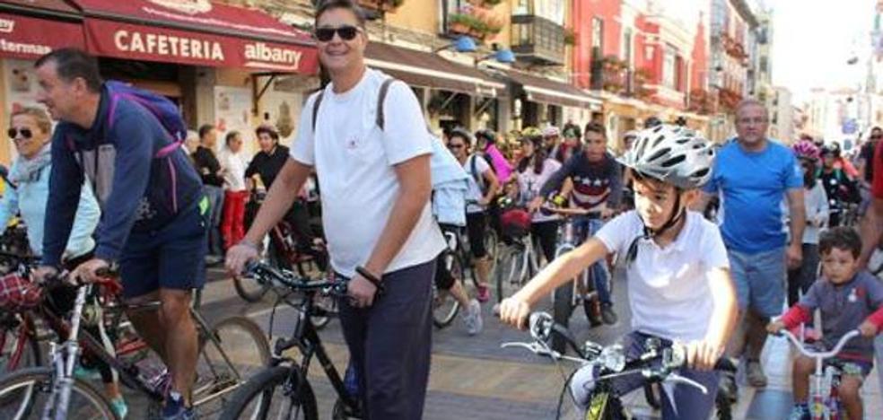 Más de 3.500 leoneses se han isncrito ya en El Corte Inglés para el Día de la Bici del domingo