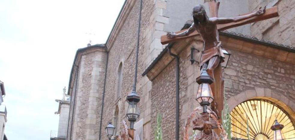 León se vuelca con la exaltación de la cruz