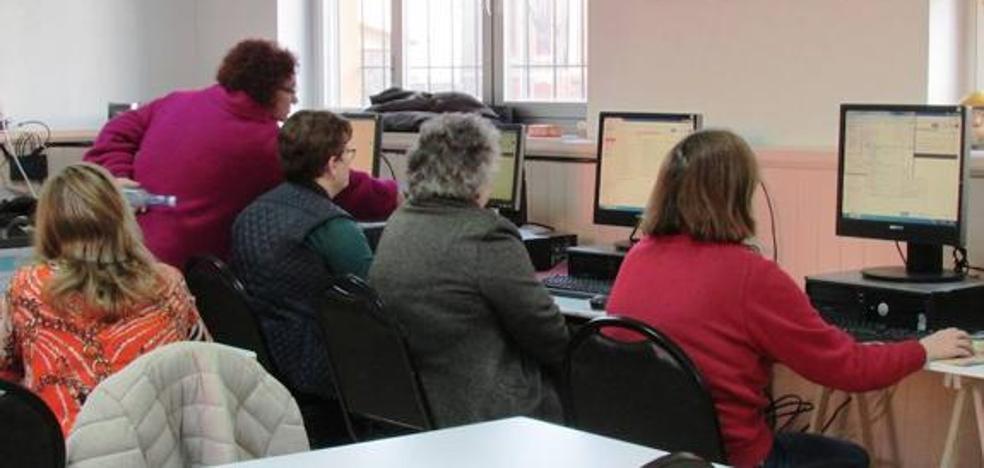 Más de 1.500 alumnos participarán en el nuevo curso del Programa de Educación de Adultos