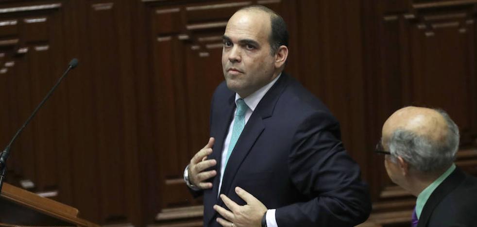 El Parlamento peruano fuerza el cese del primer ministro y todo su gabinete