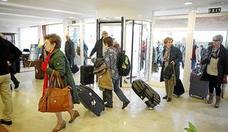 Arranca en León la comercialización de los viajes de temporada del Imserso