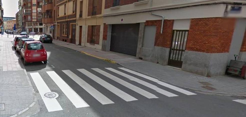 Herido un motorista de 23 años al colisionar con un turismo en León