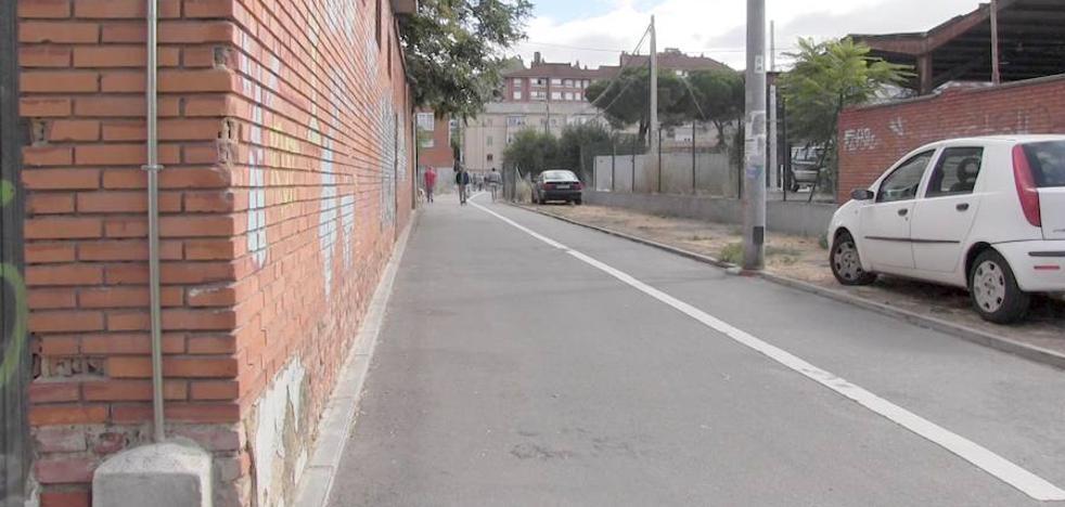 La 'gymkana' de los vecinos de León Oeste debido a las obras de integración del ferrocarril en la ciudad