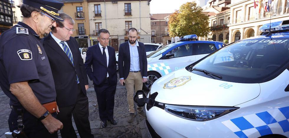 La Policía Local incorpora a su flota dos vehículos «cien por cien» eléctricos
