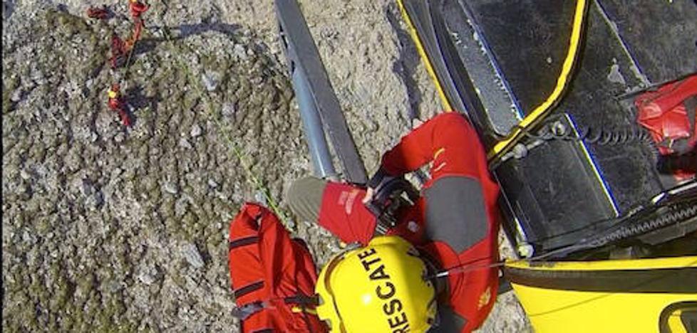 Rescatan a un montañero herido tras sufrir un resbalón de la cima del pico La Palanca