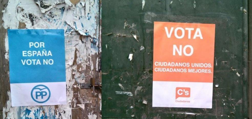 Cuelgan carteles falsos de C's, PSC y PP a favor del 'no' para incentivar la participación