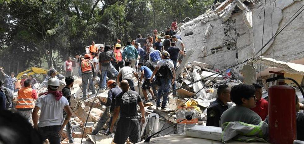 Un fuerte terremoto sacude el centro de México y deja al menos 248 muertos