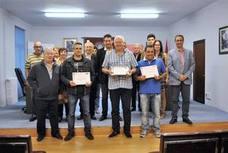 Sahagún homenajea a cuatro donantes de sangre de la comarca