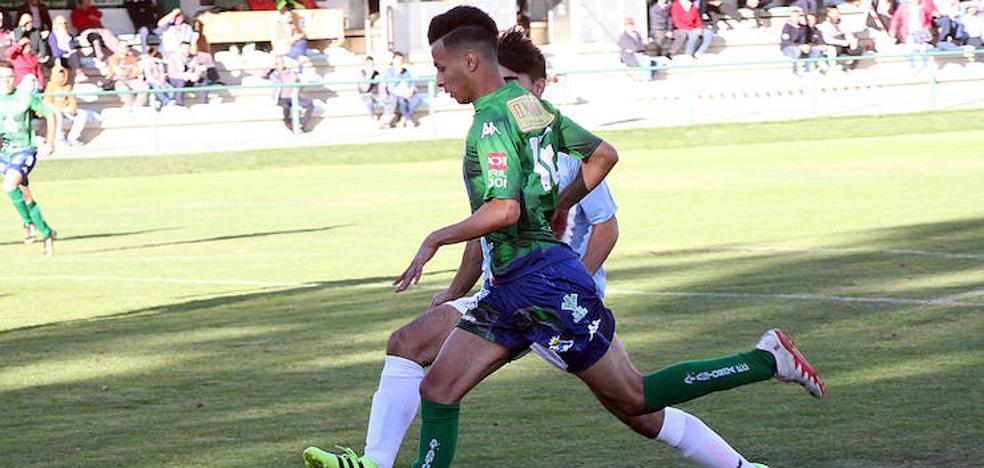 El Atlético Astorga se estrella contra el muro del Almazán