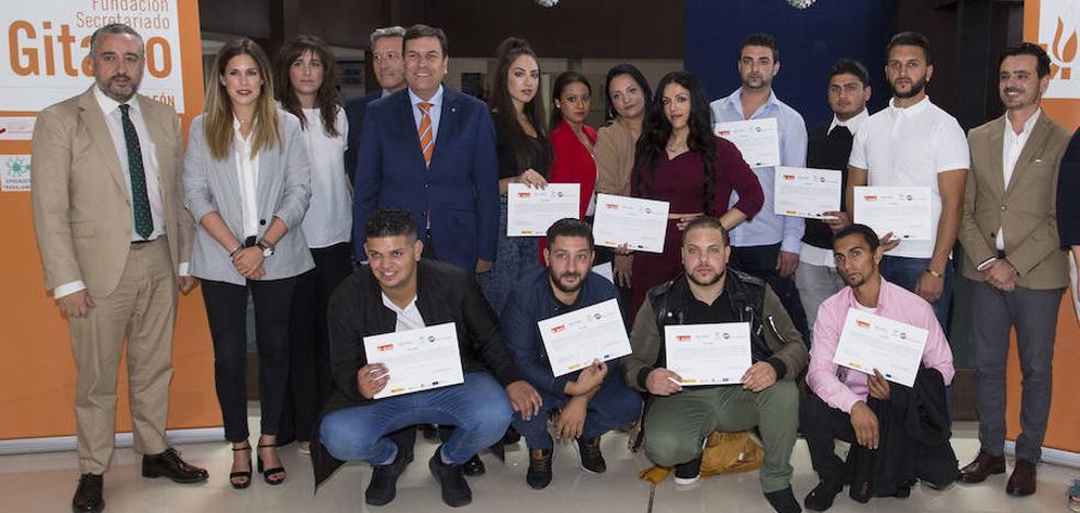 Empleo financia con más de 163.000 euros la formación de 120 jóvenes gitanos para su integración laboral
