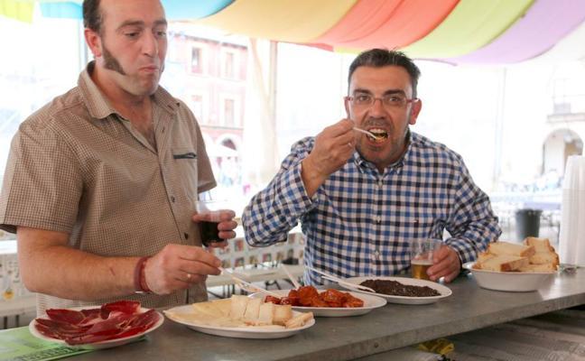 La Feria de la Morcilla recibirá a 100.000 personas que consumirán 3.000 kilos de este producto y 1.400 de chorizo
