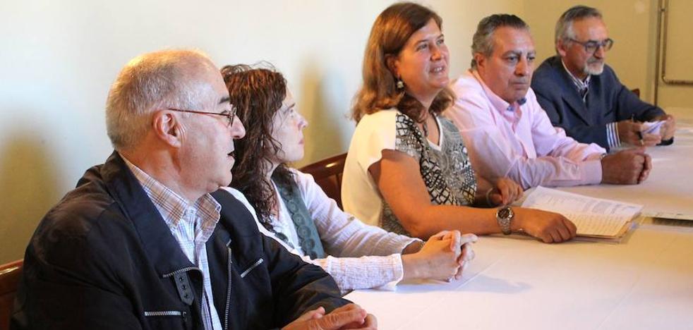 Caro Sierra gana el XLIII Premio de Poesía González de Lama con 'El Oficio del Hombre que Respira'