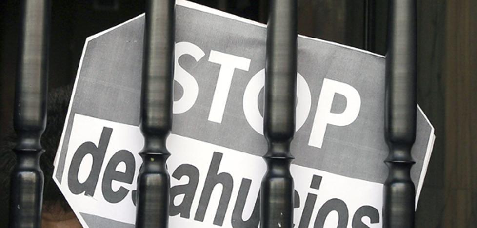 La Junta media para evitar que dos familias en Castilla y León sean desahuciados cada día desde 2015