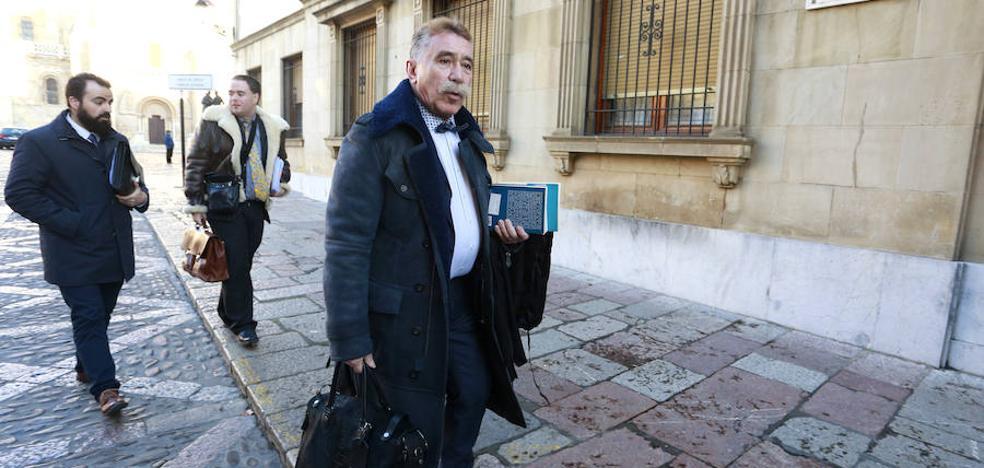 La familia Larralde recibe con «estupor» la absolución de la mujer de Roberto y anuncia el «más enérgico» recurso