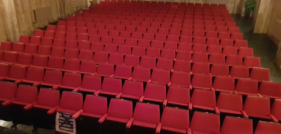 Valencia de Don Juan llevará a cabo la reforma del suelo del salón de actos de la Casa de Cultura