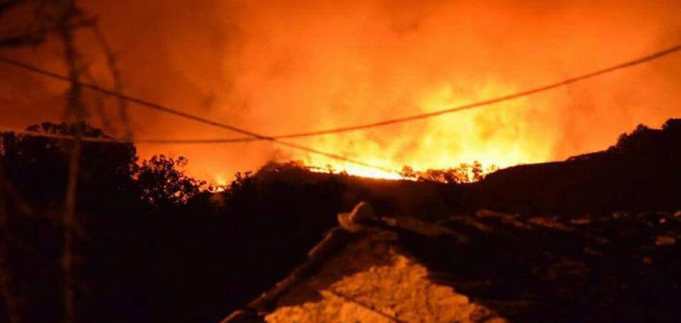 Cinco incendios permanecen activos en la provincia leonesa