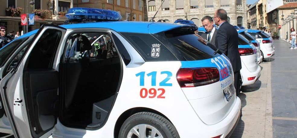 La Policía Local incorpora cinco nuevos vehículos respetuosos con el medio ambiente