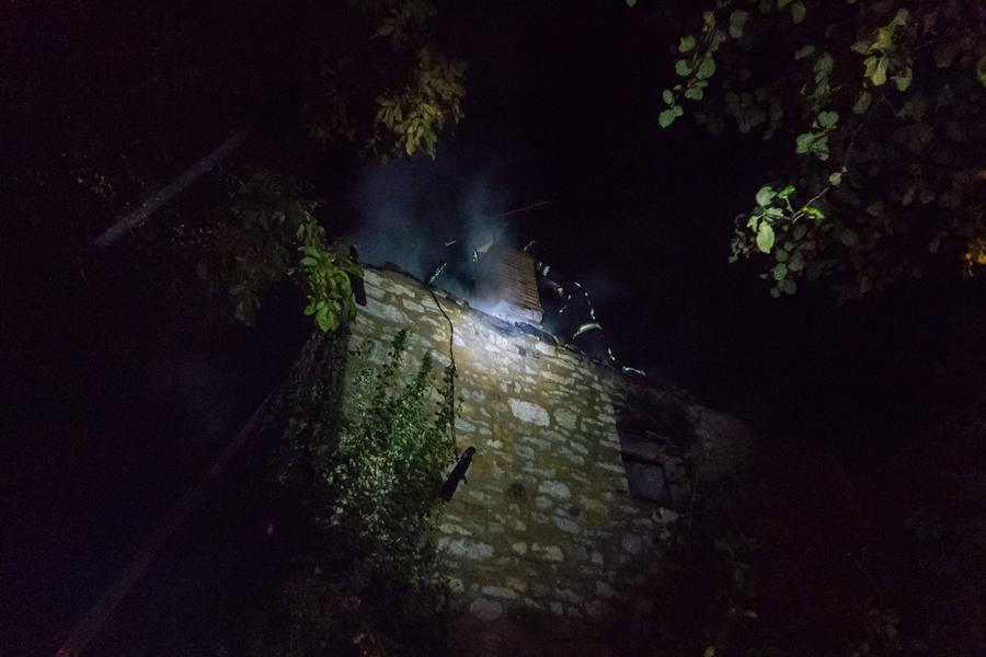 Fuego en una vivienda en Valdoré