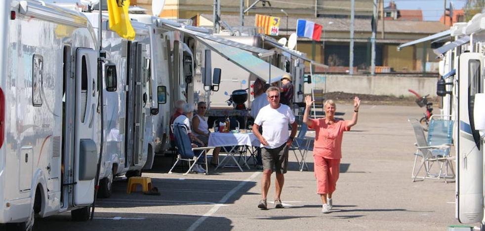 León inicia las obras para ampliar de nueve a 22 plazas el aparcamiento de autocaravanas