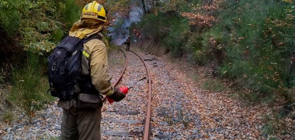 La Junta mantiene el nivel 1 de peligrosidad en incendio de Matalavilla