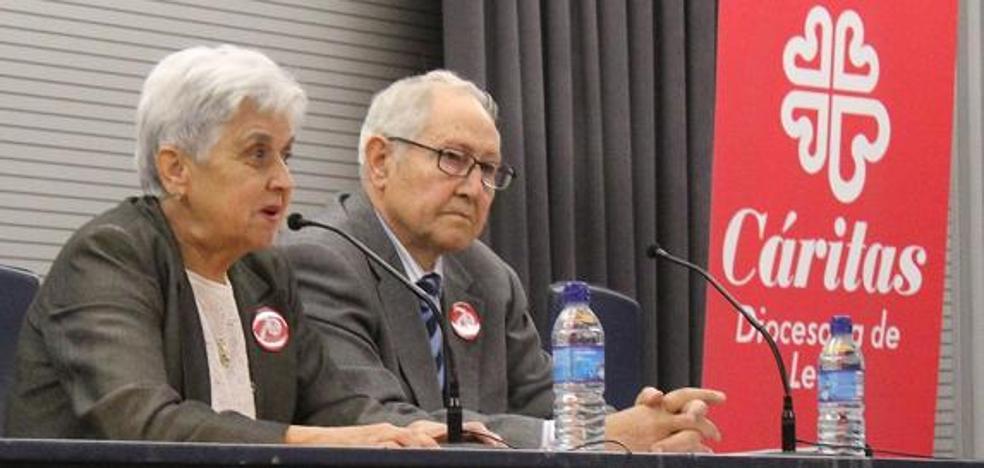 León rinde homenaje a Prisciliano Cordero del Castillo y a Ana Bernardo Álvarez por su aportación a la sociedad