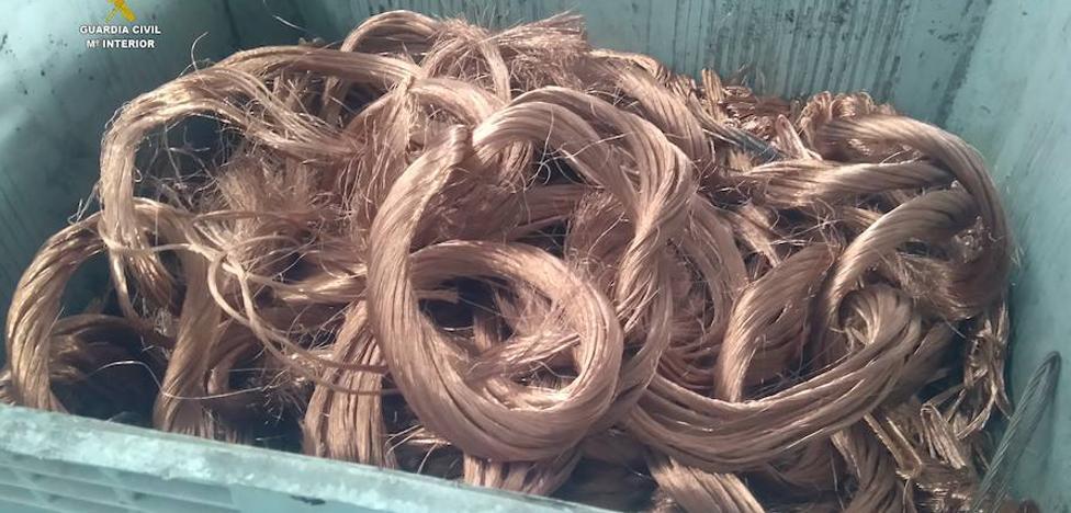 Dos detenidos por robar cableado de cobre en una nave industrial de Valencia de Don Juan