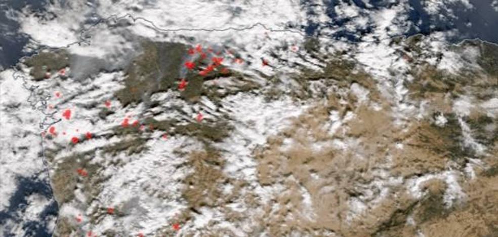 Así se ven los incendios de Galicia desde el espacio