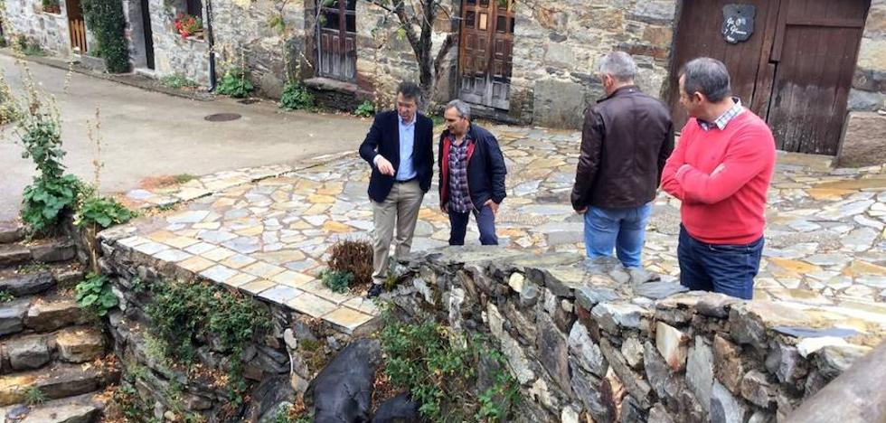 Majo visita Igüeña y el resultado de las obras realizadas gracias a los Planes Provinciales