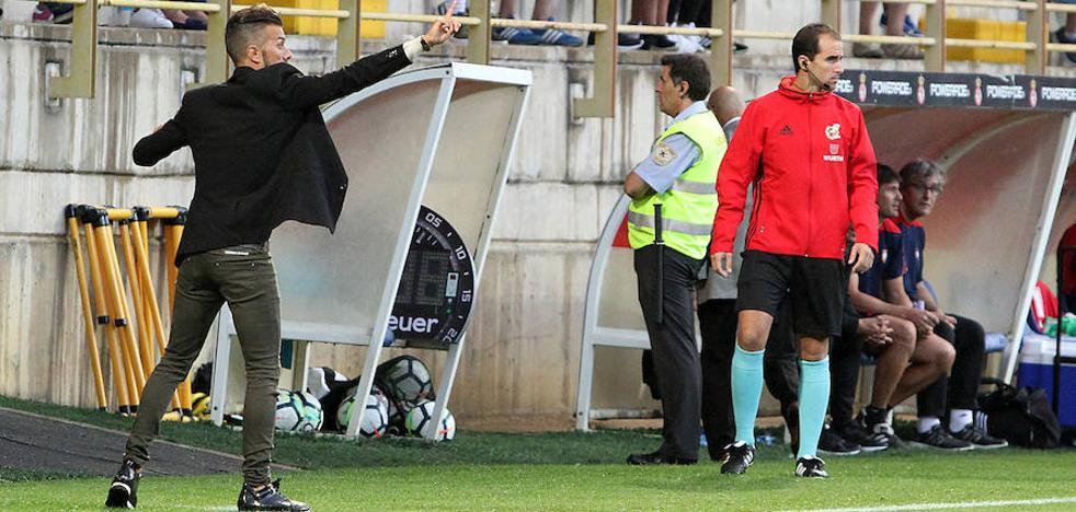 Rubén de la Barrera inaugura el curso de entrenadores de la FCYLF