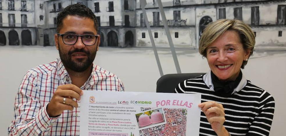 Seis iglús rosas recogen envases de vidrio para concienciar sobre el cáncer de mama y la importancia de reciclar