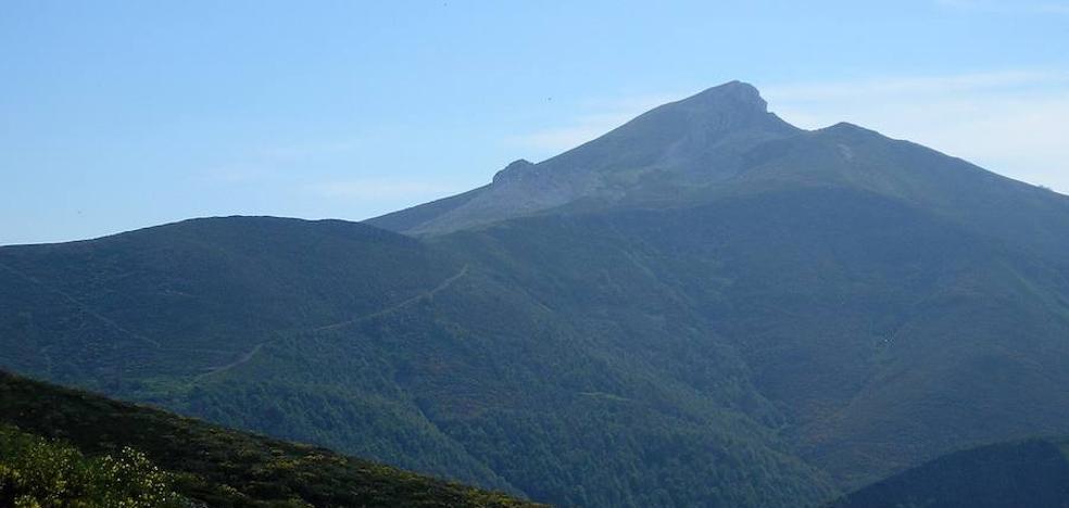 El Área de Deportes de la ULE programa una ruta de senderismo al Pico Gabancera