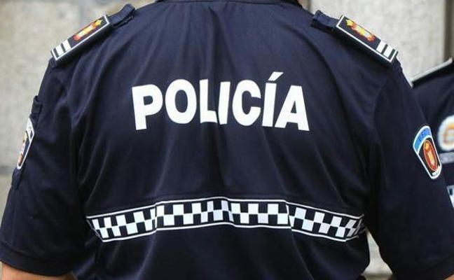 La Policía Local identifica a un anciano por provocar un incendio entre Toral de Merayo y Villalibre