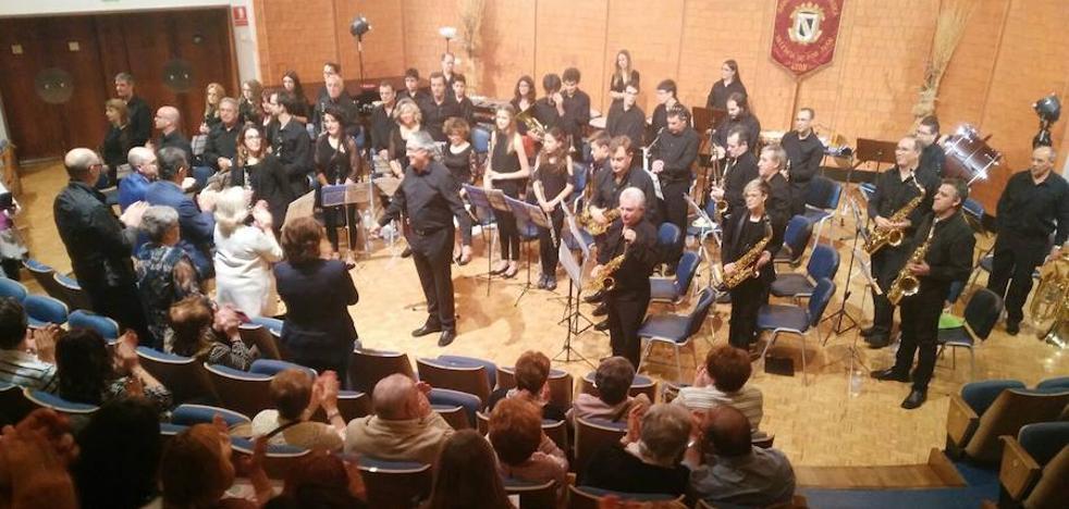 La Banda de Música de Valencia de Don Juan continúa celebrando sus 100 años