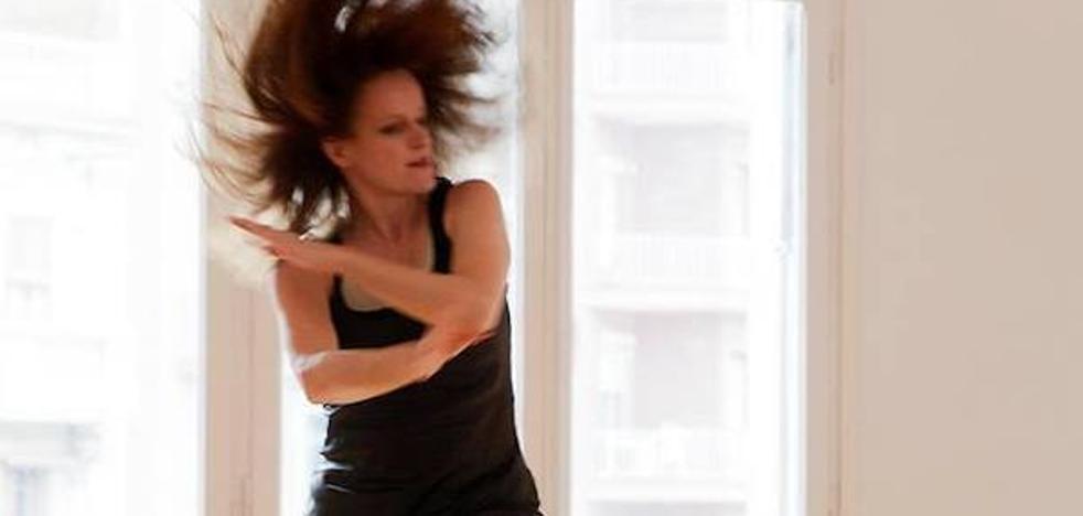 La bailarina y coreógrafa Sabine Dahrendorf imparte un curso de danza en la ULE