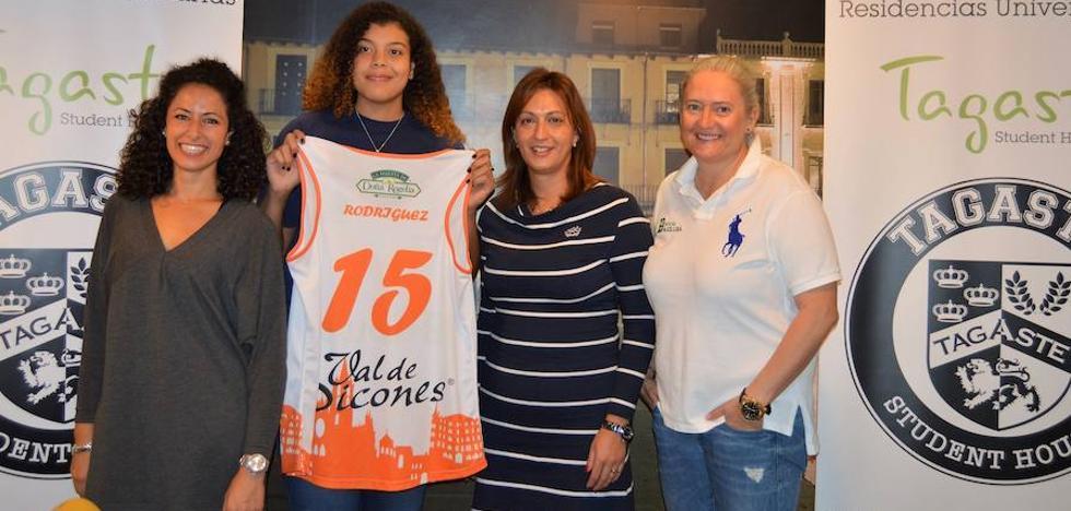 Yamile Rodríguez llega al Aros buscando lanzar su carrera europea