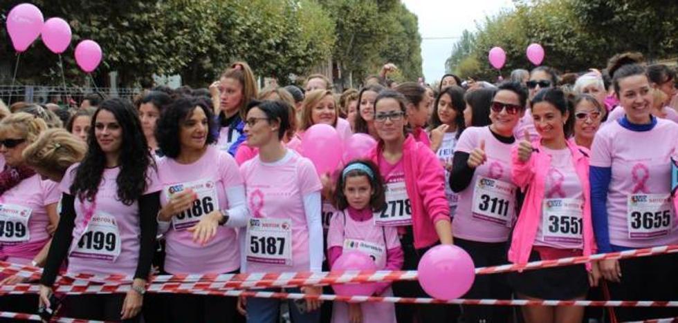 La V Carrera de la Mujer contra el Cáncer de Mama y yoga en el Parque del Chantre, este fin de semana en León