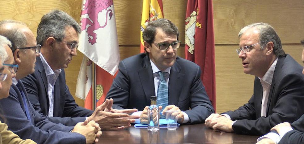 Mañueco afirma que el PP es «garantía de estabilidad y referencia de las clases medias de León»