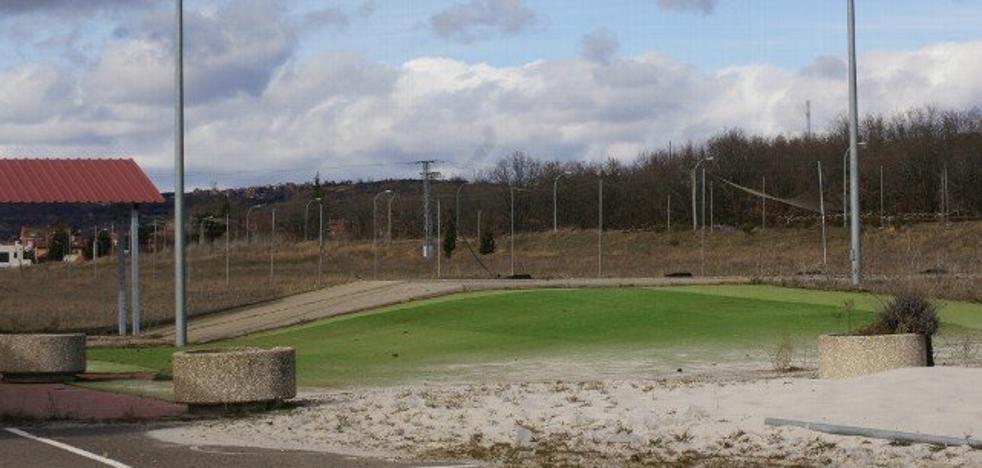 El Ayuntamiento de León buscará volver a dotar de vida al Campo de Golf y a la Casa del Peregrino