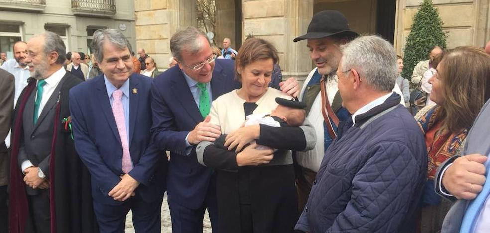 Silván apela a la pronta llegada del AVE a Asturias para mejorar las relaciones entre ambos territorios