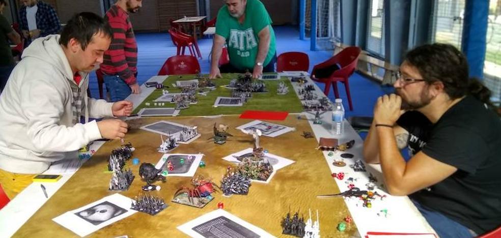 Estrategas de batallas sobre la mesa