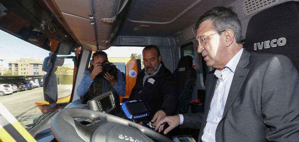 La Diputación renueva la flota de su parque móvil con 14 nuevos vehículos por 2,1 millones de euros
