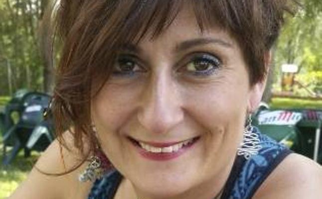 Nuria Antón presenta su obra poética 'Contra los vientos' en Astorga