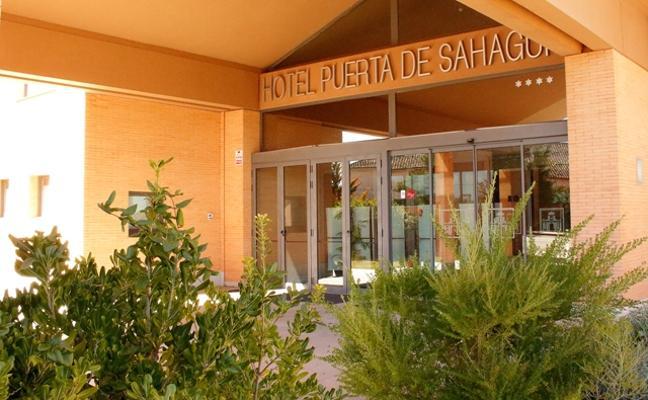 El Hotel Puerta de Sahagún organiza un fin de semana de 'bodas'