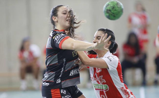 El Cleba tira de solidez y serenidad para ganar en Gijón