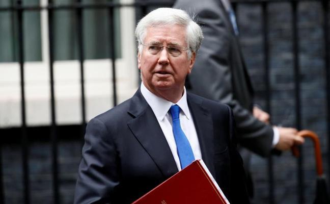 Dimite Michael Fallon, ministro de Defensa británico, acusado de acoso sexual
