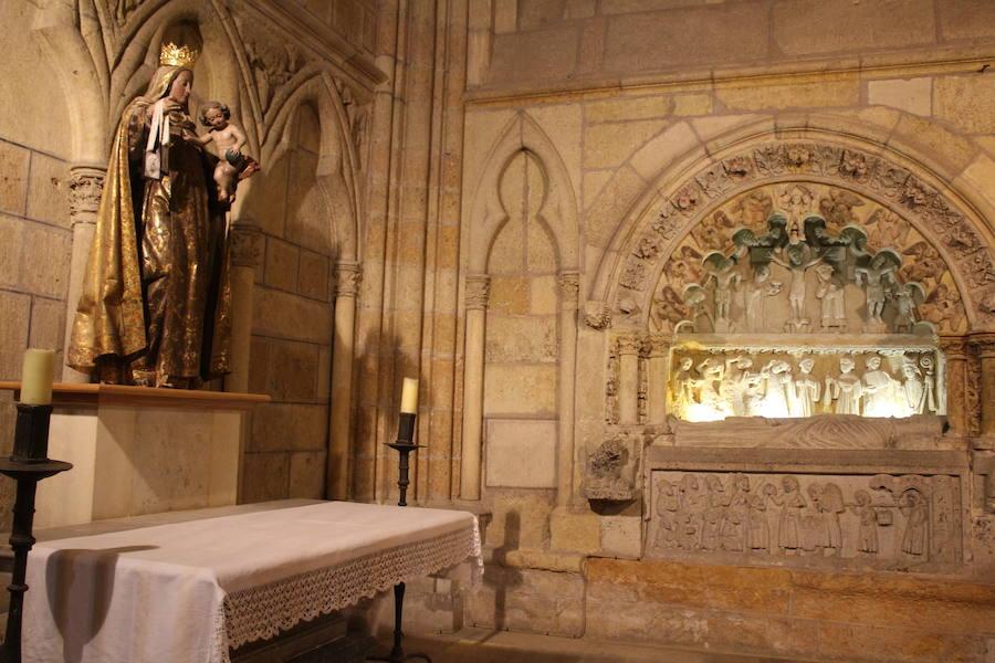 Nueve capillas y un rey