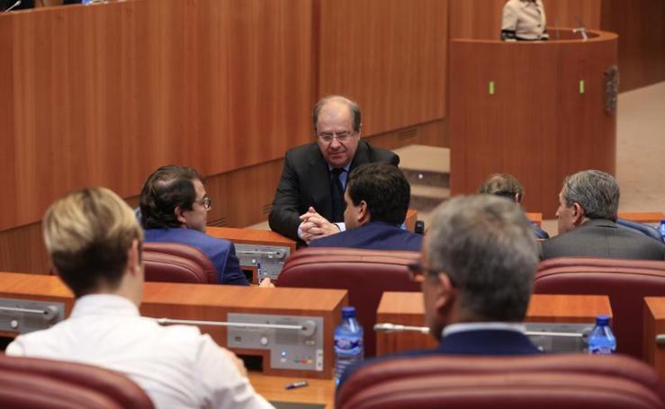Debate en las Cortes de Castilla y León de las tres enmiendas de totalidad sobre el presupuesto para 2018