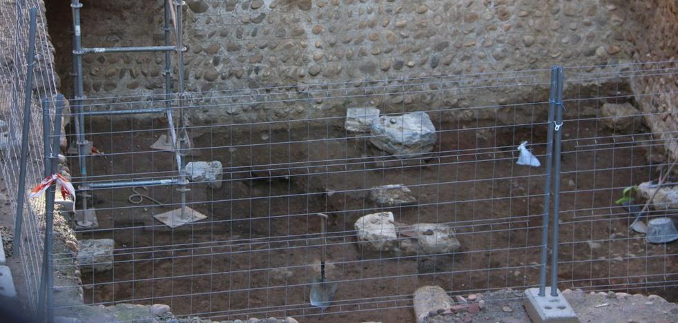 El Museo de la Semana Santa espera la decisión de Patrimonio sobre los restos arqueológicos del patio, que no «retrasan» la obra