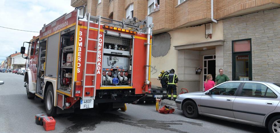 Atendidas nueve personas tras el incendio de una vivienda en Ponferrada