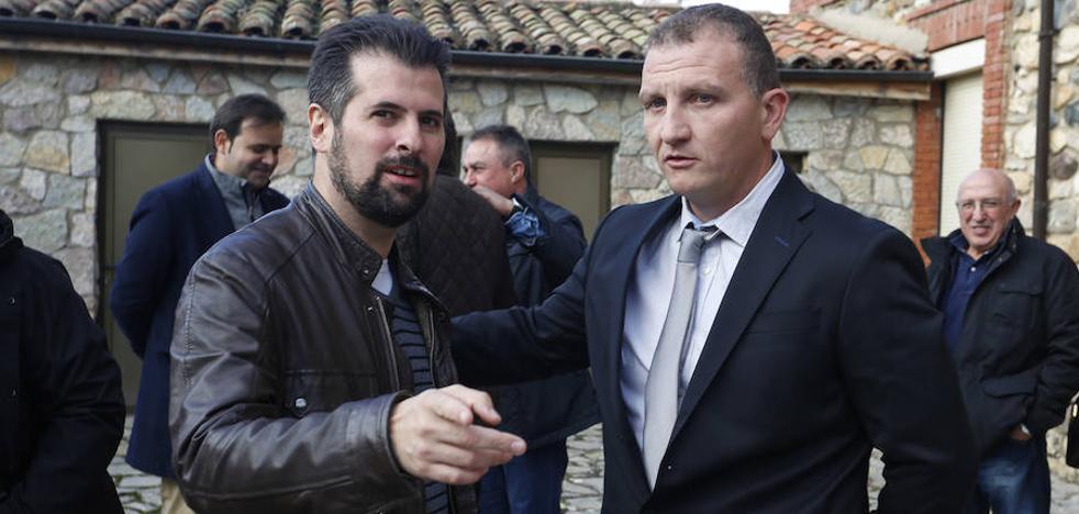 Tudanca tiende la mano al futuro líder del PSOE de León para «unir y fortalecer el partido»